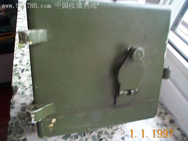 军用手摇式发电机_价格250元