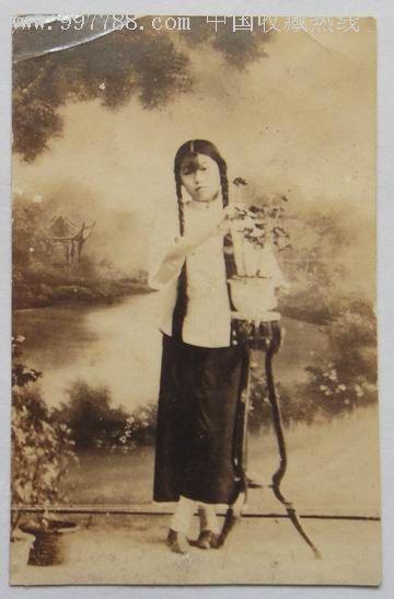 清朝美女图;