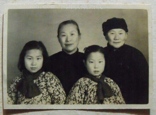 儿童老人家庭合影照