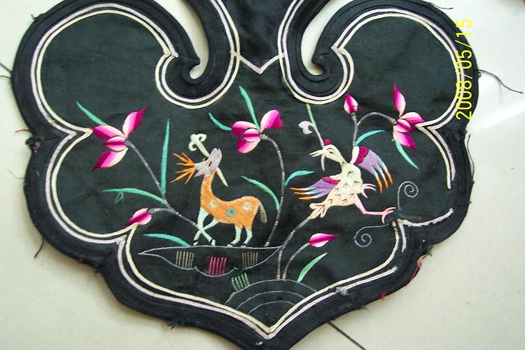 民国胶东手工刺绣云肩披肩凤凰梅花鹿花卉图案包老完好