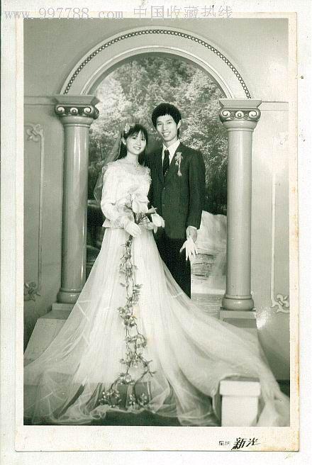 美女结婚照 价格35元