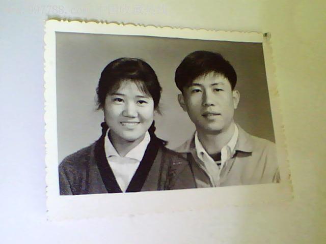 80年代夫妻照,老照片 结婚照片,老照片,婚后留影,八十年代 ,黑