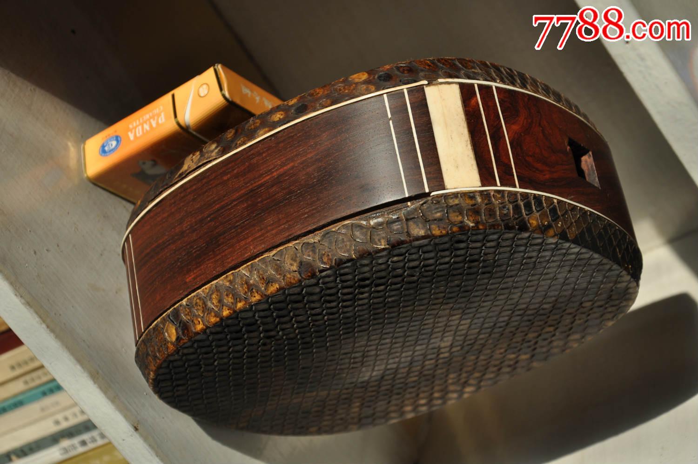 黄花梨.三弦琴箱一个,够大,够厚.图片