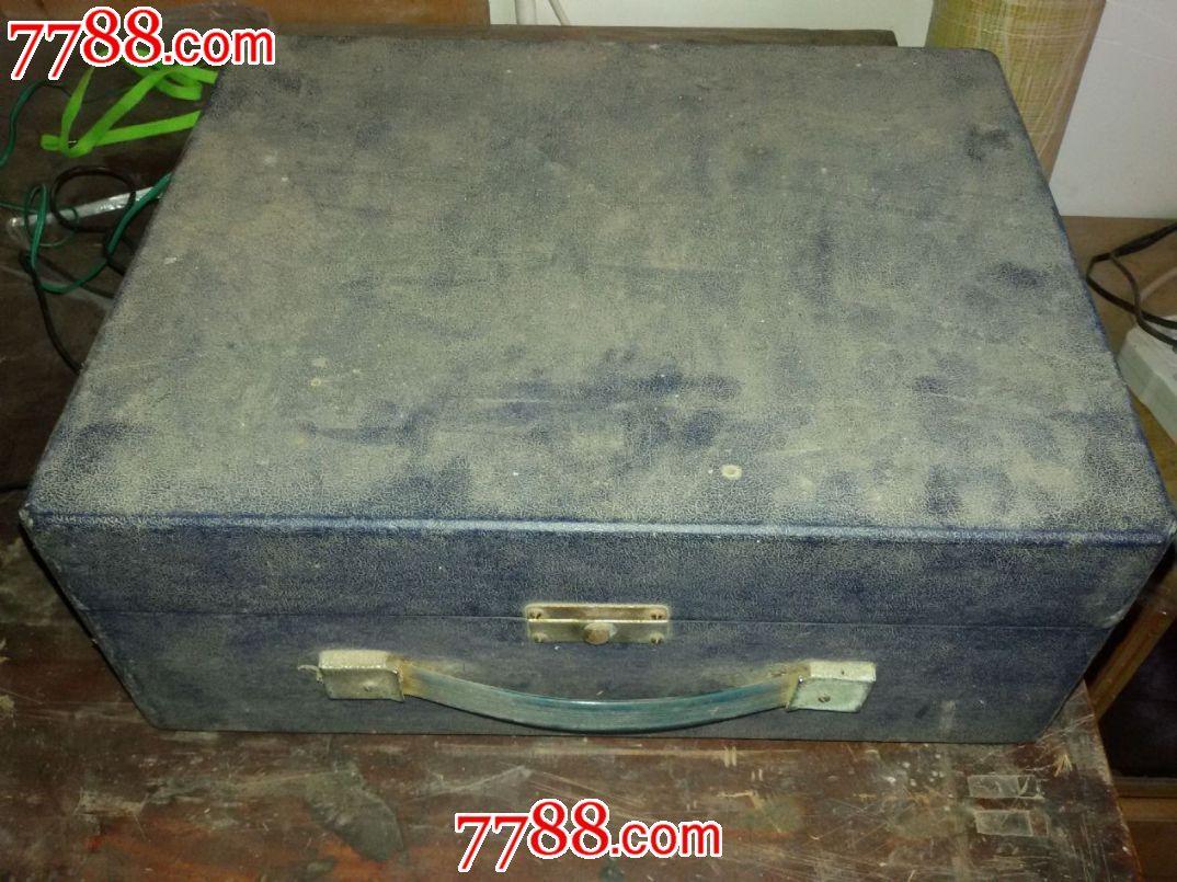 老式电�_老式电唱机,能正常放音,仿佛回到那个年代.